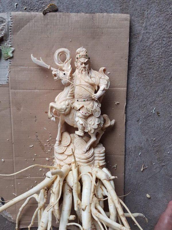 Điêu khắc quan vân trường